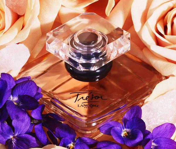 Tratamientos, perfumes y maquillaje