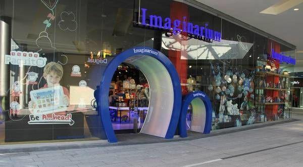 La doble puerta de las tiendas de Imaginarium